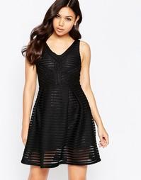 Приталенное платье со свободной юбкой и V-образным вырезом Girl In Min