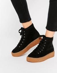 Высокие кроссовки на платформе Truffle Collection - Черный