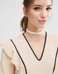 Ожерелье-чокер ограниченной серии с рюшами - Розовый Asos