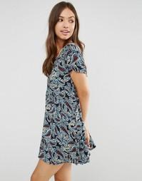 Чайное платье с короткими рукавами Glamorous - Black cobalt paisley
