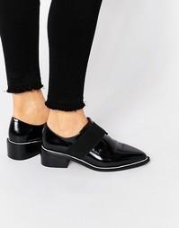 Туфли на плоской подошве с эластичной вставкой ASOS MIX IT UP - Черный