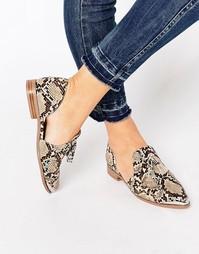 Остроносые туфли на плоской подошве ASOS MELODY - Snake