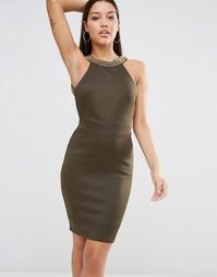 Облегающее платье миди с высокой горловиной и золотистой отделкой TFNC