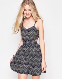 Платье с вырезами и зигзагообразным узором Influence - Мульти