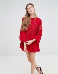 Кружевное платье с длинными рукавами Endless Rose - Ягодно-красный
