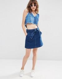 Джинсовая мини-юбка с завязкой на поясе ASOS - Синий