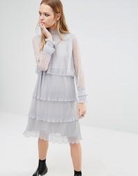Платье с высокой горловиной и кружевом в горошек Navy London - Серый