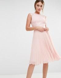 Плиссированное платье миди Elise Ryan - Телесный