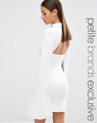 Платье мини с высокой горловиной и открытой спинкой John Zack Petite
