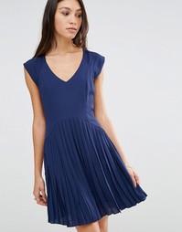 Платье с плиссированной юбкой Traffic People - Темно-синий