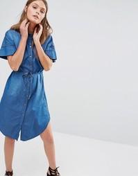 Джинсовое платье-рубашка с поясом QED London - Синий