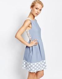 Платье со складками и отделкой в горошек по краю Closet - Бледно-синий