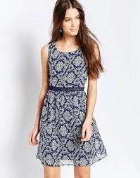 Платье с контрастной отделкой и принтом QED London - Синий