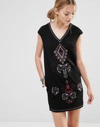 Цельнокройное платье с вышивкой спереди See U Soon - Черный