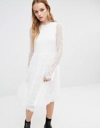 Платье миди с кружевными рукавами Navy London - Белый