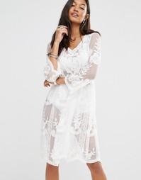 Кружевное платье с присборенной юбкой Boohoo - Слоновая кость