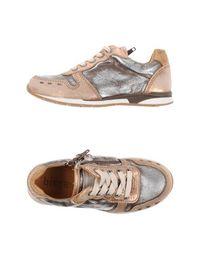 Низкие кеды и кроссовки Bisgaard
