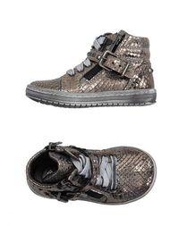 Низкие кеды и кроссовки Andrea Montelpare