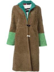 пальто с контрастными рукавами  Saks Potts
