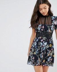 Платье мини с высоким воротом и цветочным принтом Foxiedox Juniper