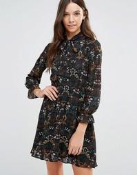 Платье с длинными рукавами и цветочным принтом Yumi - Черный