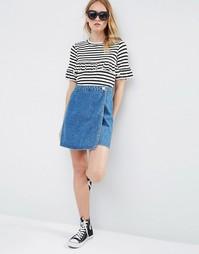 Трапециевидная джинсовая юбка с запахом голубого цвета ASOS - Синий