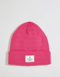 Розовая шапка-бини с нашивкой ASOS - Розовый