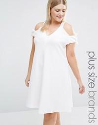 Свободное платье с открытыми плечами и завязками Pink Clove - Кремовый