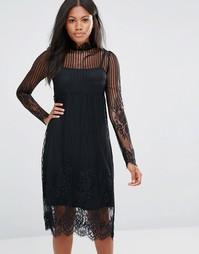 Платье с высокой горловиной и кружевной накладкой Amy Lynn - Черный