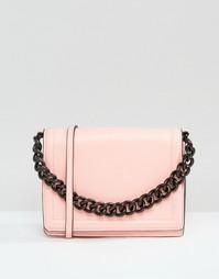 Сумка через плечо с ремешком-цепочкой ASOS - Розовый