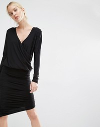 Облегающее платье с драпировкой и запахом спереди Gestuz - Черный