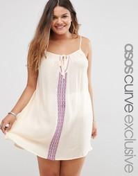 Свободное платье из жатого хлопка с вышивкой ASOS CURVE - Кремовый