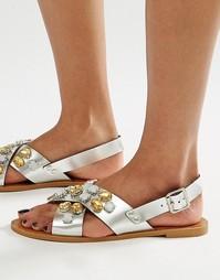 Сандалии с перекрестными ремешками и отделкой Glamorous - Серебряный