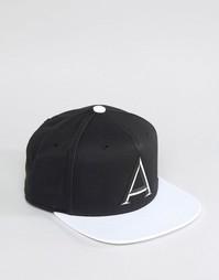 Черная бейсболка adidas Originals AY9374 - Черный