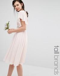 Платье миди с расклешенными рукавами и отделкой на талии TFNC Tall Wed