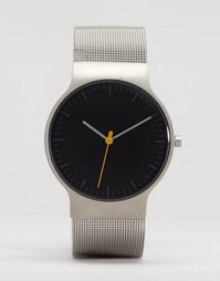 Классические часы с серебристым сетчатым ремешком и черным циферблатом Braun