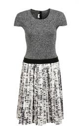 Приталенное вязаное платье с плиссированной юбкой Escada Sport