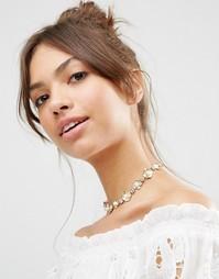 Ожерелье-чокер с цветочной отделкой и искусственным жемчугом ASOS