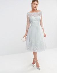 Платье миди из тюля с кружевной вышивкой Chi Chi London - Светло-серый