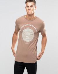 Удлиненная облегающая футболка с принтом ASOS - Песок
