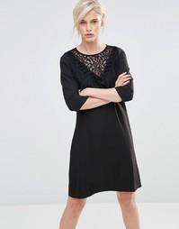 Короткое приталенное платье с рукавами 3/4 Girls On Film - Черный