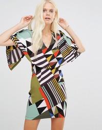 Платье с V-образным вырезом, кейпом и принтом Liquorish - Мульти