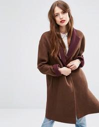 Пальто с контрастным воротником ASOS - Коричневый