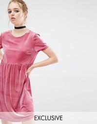 Бархатное платье с присборенной юбкой Reclaimed Vintage - Розовый