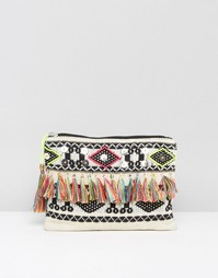 Сумка-клатч с ацтекским узором и кисточкой Boohoo - Мульти