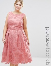 Кружевное платье миди для выпускного Chi Chi London Plus - Розовый