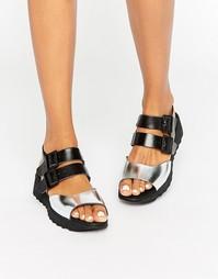 Черные кожаные сандалии на плоской подошве Eeight Carey