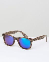 Квадратные солнцезащитные очки в черепаховой оправе ASOS - Серый