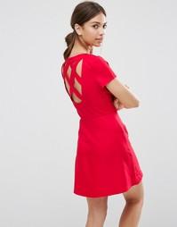 Короткое приталенное платье с перекрестными лямками на спине Daisy Str