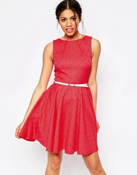 Приталенное жаккардовое платье с ремнем Closet - Розовый